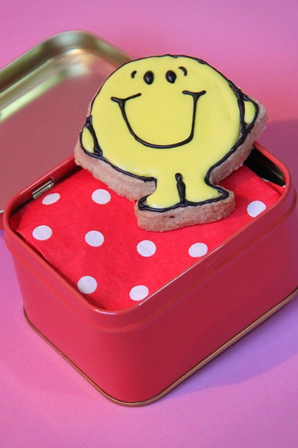 """עוגיות מקושטות """"מר שמח"""""""