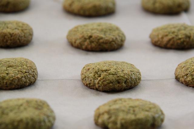 עוגיות לפסח: עוגיות פיסטוק ושוקולד3