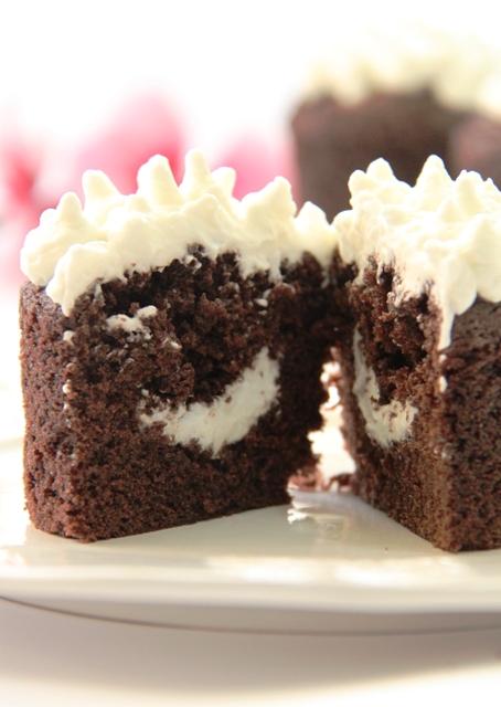 קאפקייקס שוקולד וקרם מרשמלו11