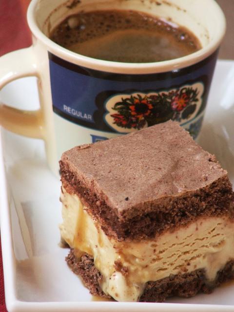 קסטה בטעם מוקה וברוטב קרמל1