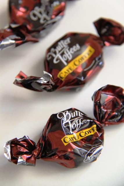 סוכריות טופי קרמל במלית קפה