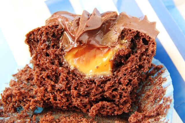 קאפקייקס שוקולד וקרמל מלוח13