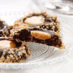 עוגיות טביעת אצבע שוקולד וקרמל