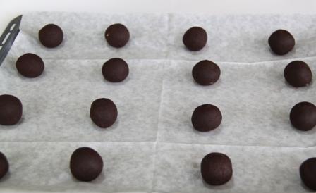 עוגיות טביעת אצבע שוקולד וקרמל2