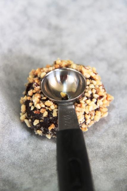 עוגיות טביעת אצבע שוקולד וקרמל5