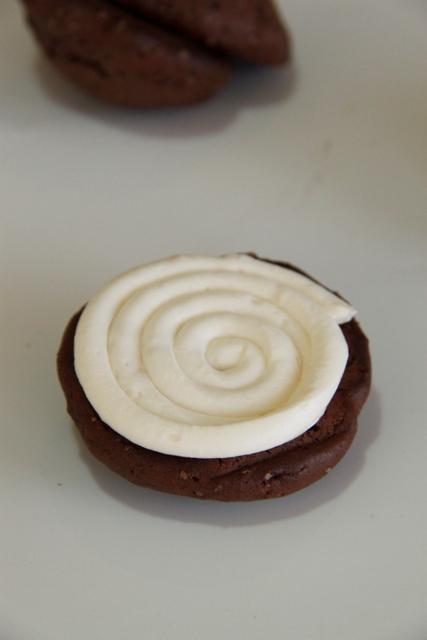 וופי פאי שוקולד וקרם מרשמלו10