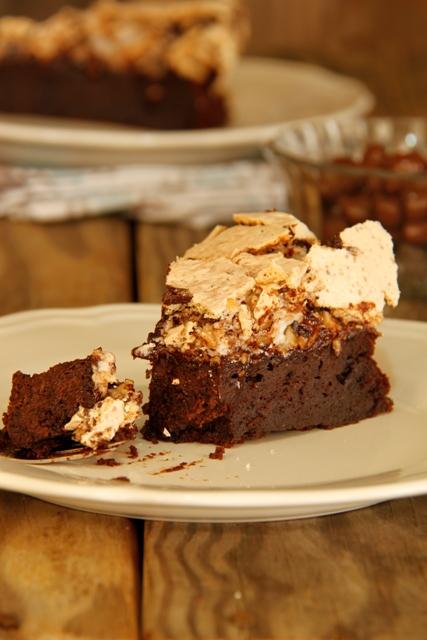 עוגת שוקולד ומרנג אגוזי לוז10