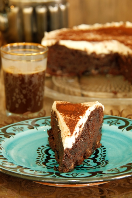 עוגת שוקולד, דובדבנים ומוס מסקרפונה