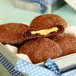 עוגיות שוקולד עם הפתעת חמאת בוטנים12