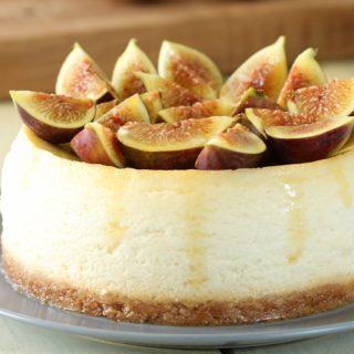 עוגת גבינה ריקוטה תאנים ודבש