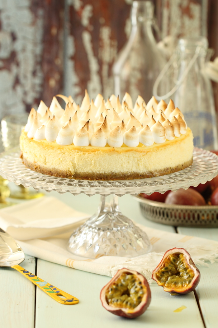 עוגת גבינה עם קארד פסיפלורה ומרשמלו