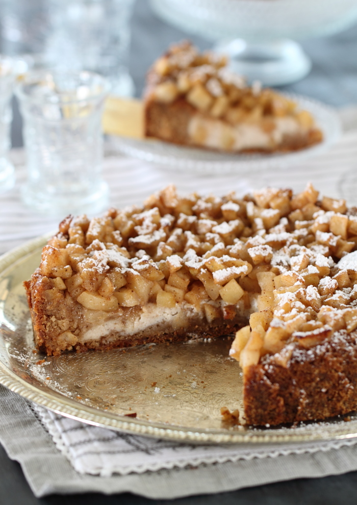 עוגת קינמון, ריקוטה ותפוחים מקורמלים