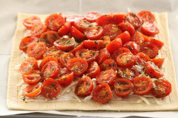 טארט עגבניות שרי וגבינות