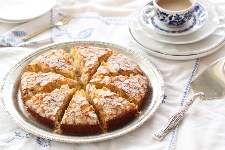 עוגת שקדים עם קוקוס ותפוז לפסח