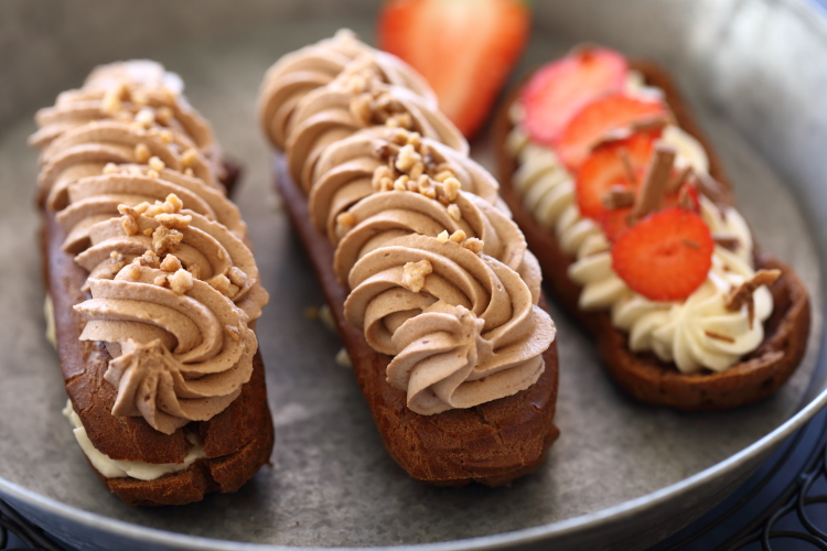 אקלר שוקולד וטונקה (וגם אירוח של הבלוג שמח במטבח!)