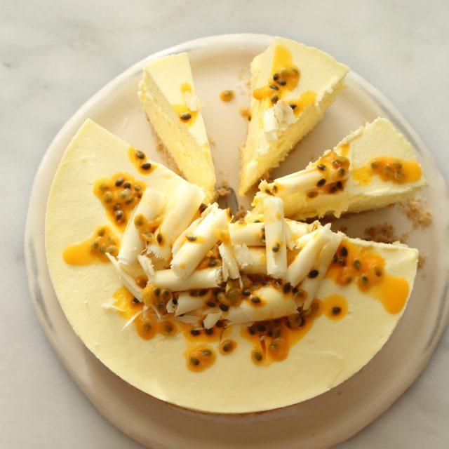עוגת גבינה שוקולד לבן ופסיפלורה