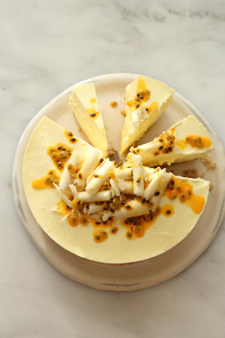 עוגת גבינה, שוקולד לבן ופסיפלורה