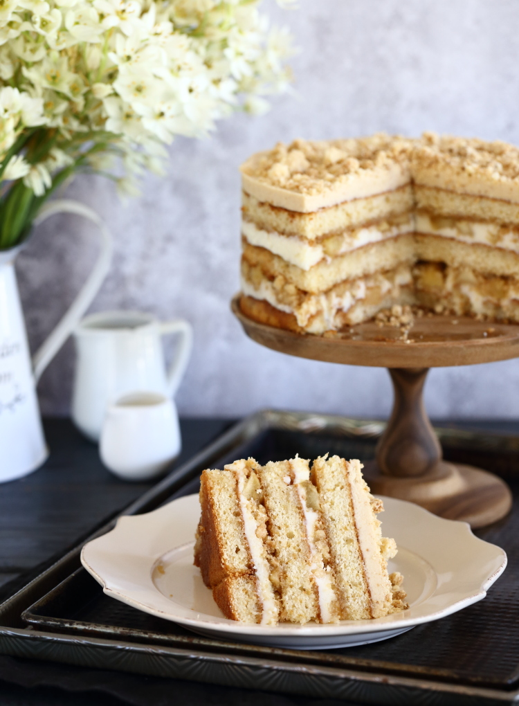 עוגת שכבות גבינה ותפוחים של מומופוקו מילק בר