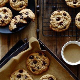 עוגיות טחינה ושוקולד ציפס