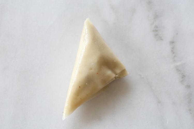 משולשי פילו במלית אגוזים