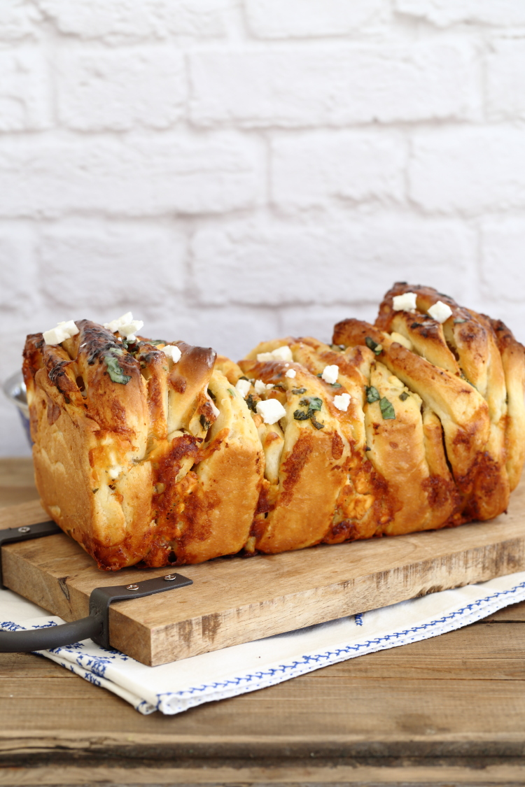 לחם שום פטה ותבלינים