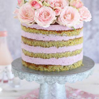 עוגת פיסטוק פירות יער ושוקולד לבן