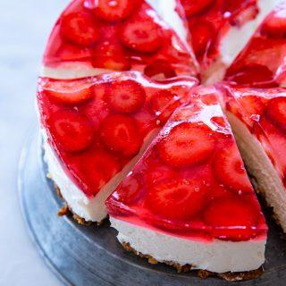 עוגת גבינה בייגלה ותות