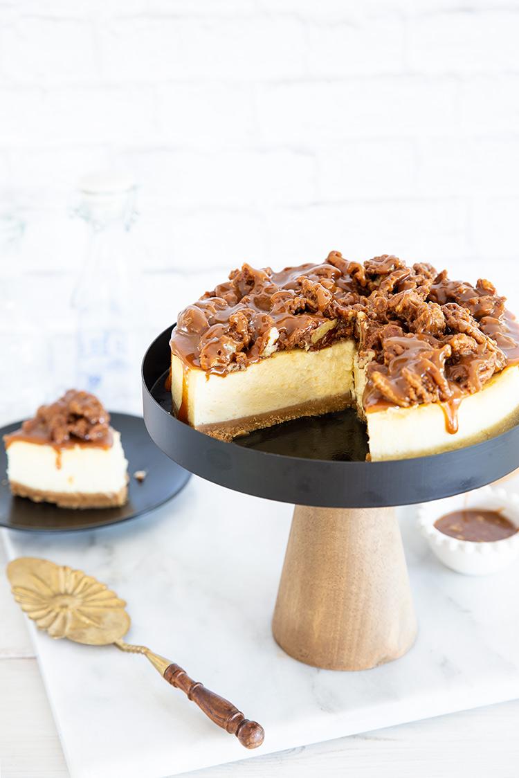 עוגת גבינה עם פקאן מקורמל
