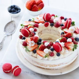 עוגת שכבות תותים ומסקרפונה