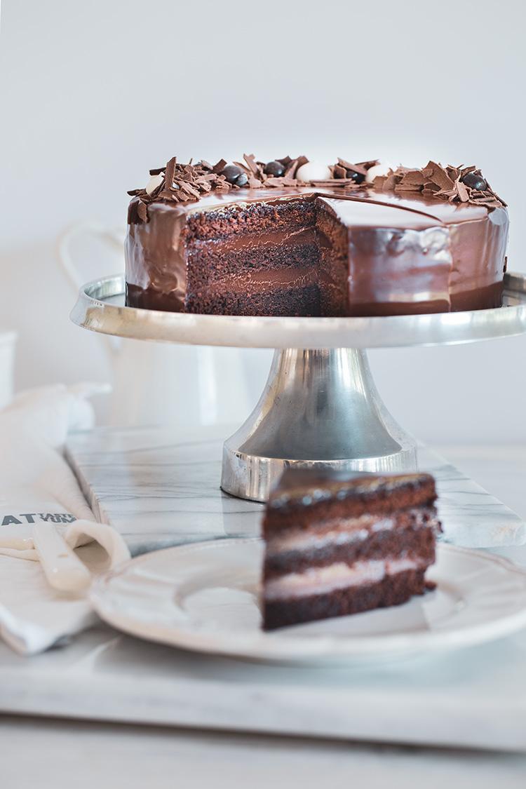 עוגת שכבות שוקולד מרשימה וקלה להכנה