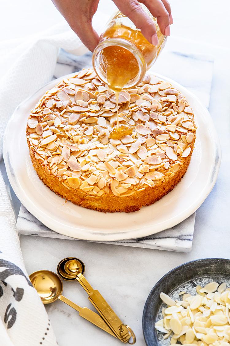 עוגת שקדים ודבש טעימה וממכרת