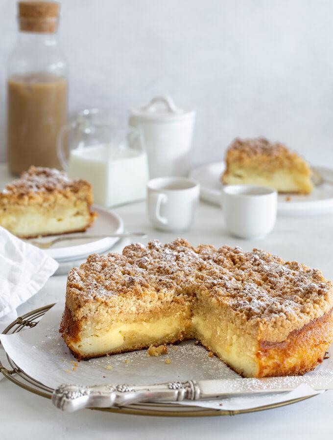 עוגת לימון עם מלית גבינה וקראמבל אגוזי לוז משגעת