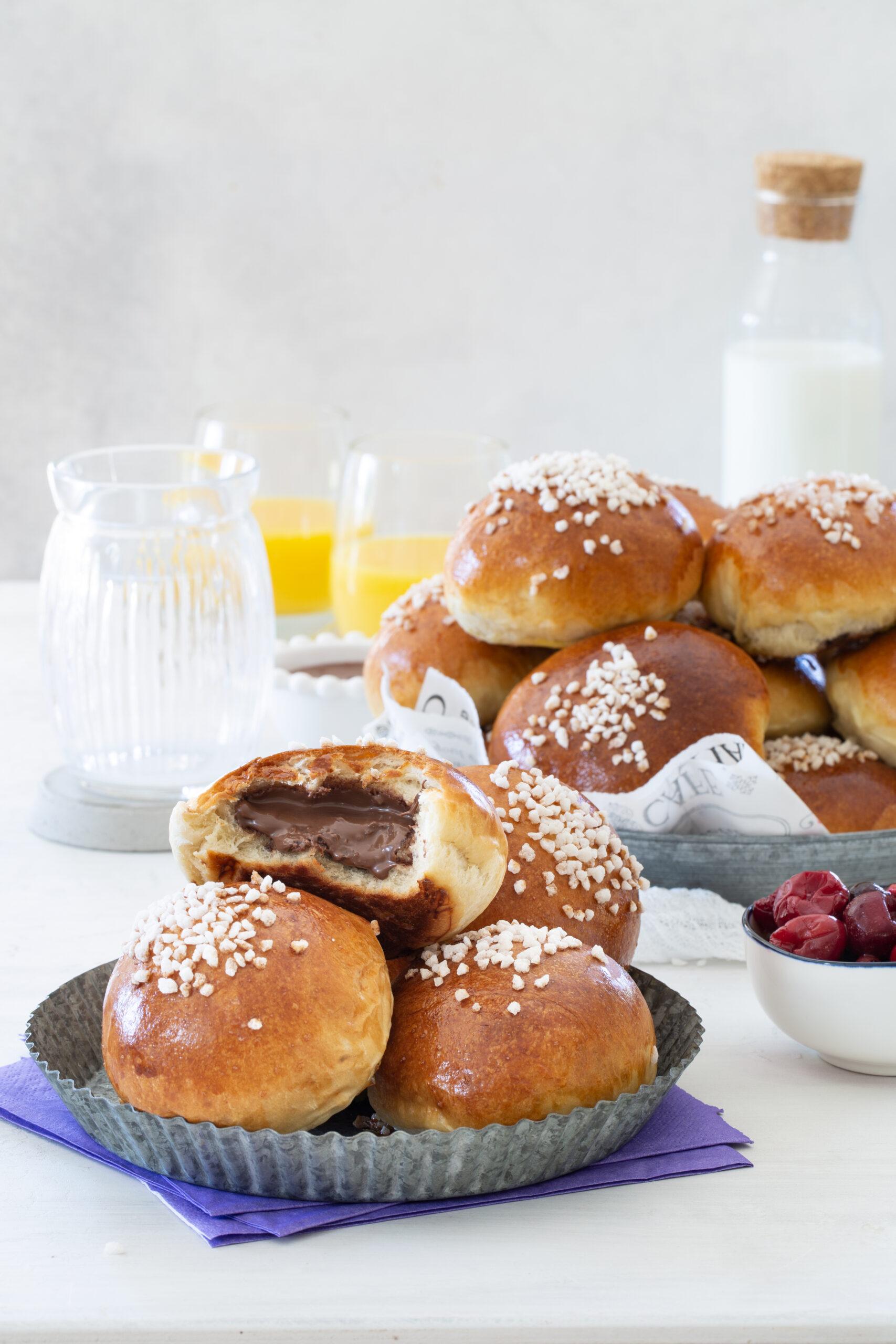 לחמניות רכות ואווריריות במילוי שוקולד