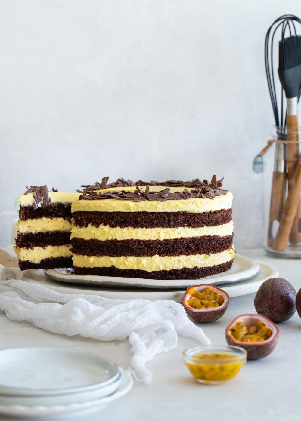 עוגת שכבות שוקולד ופסיפלורה