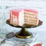 עוגת ביסקוויטים חגיגית עם קרם מסקרפונה ותות